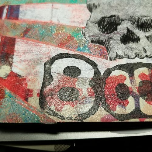 the 8 is also a foam print but het skull is a transfer